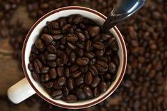 De donkere Geroosterde Bonen van de Koffie Stock Fotografie