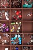 De donkere houten juwelen van de doos Stock Afbeelding