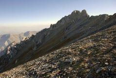 De donkere kant van de berg in Tien Shan Stock Afbeeldingen