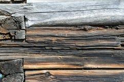 De donkere Rustieke Muur van het Huislogboek Royalty-vrije Stock Afbeelding