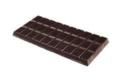 De donkere tablet van de chocolade die op witte achtergrond wordt geïsoleerd Royalty-vrije Stock Afbeeldingen