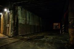 De donkere Tunnel van de Stadstrein bij Nacht Royalty-vrije Stock Foto