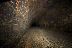 De donkere Tunnels van de Ondergrondse Spoorweg Royalty-vrije Stock Fotografie