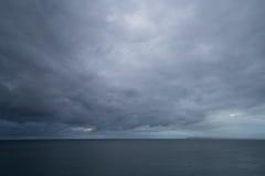 De donkere wolken van Alicante Stock Afbeeldingen