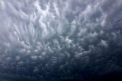 De donkere Wolken van de Onweersbui Stock Foto's