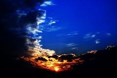 De donkere wolken van het onweer Stock Afbeeldingen