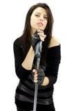 De donkere zanger van de rotsvrouw met hartstocht Royalty-vrije Stock Afbeelding