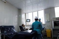 De donor geeft bloed Stock Foto