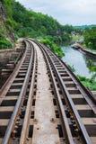 De Doodsspoorweg met mening van Khwae Noi River Stock Fotografie