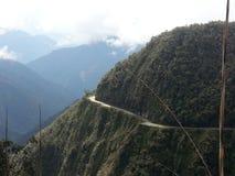 De Doodsweg in Yungas, Bolivië, Zuid-Amerika Stock Afbeeldingen