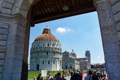 De Doopkapel van Pisa, de Kathedraal en de Leunende Toren, Italië Royalty-vrije Stock Fotografie