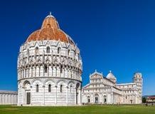 De Doopkapel van Pisa van St John, de Rooms-katholieke geestelijke bouw in Pisa, Italië Stock Afbeeldingen