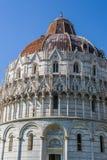De Doopkapel van San Giovanni van Pisa, Italië Royalty-vrije Stock Foto's