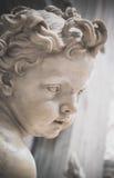 De Doopvont St. Peter van het cherubijnwijwater Stock Afbeelding