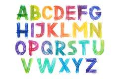 De doopvont van het kleurpotlodenalfabet typt met de hand geschreven hand trekt abc brieven Stock Foto