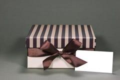 De doos van de gift met adreskaartje Royalty-vrije Stock Afbeelding