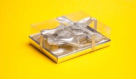 De doos van de gift met kaarsen Royalty-vrije Stock Afbeelding