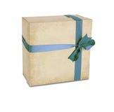 De doos van de gift met lint dat op wit wordt geïsoleerd? Stock Afbeeldingen