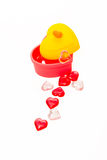 De doos van de hartvorm met de rode en roze vorm van het kristal plastic hart Royalty-vrije Stock Fotografie