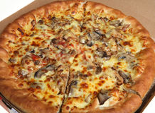 de doos van de het vleespizza van de kaaspaddestoel stock foto