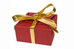De doos van de Kerstmisgift met gouden lint Royalty-vrije Stock Afbeeldingen