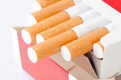 De doos van de sigaret royalty-vrije stock afbeeldingen