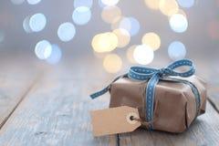 De doos van de gift met etiket royalty-vrije stock fotografie