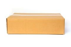 De doos van het karton die op witte achtergrond wordt geïsoleerdn royalty-vrije stock afbeeldingen