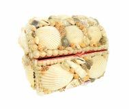 De doos van juwelen die met zeeschelpen wordt verfraaid Stock Foto