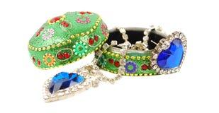 De doos van juwelen met blauwe harten. Royalty-vrije Stock Fotografie