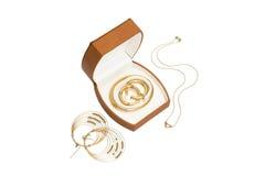 De doos van juwelen met halsband en oorringen Stock Afbeeldingen