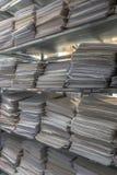 De dossierstapels worden opgeslagen in één archief royalty-vrije stock afbeelding