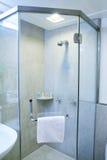 De douche van de badkamers Stock Foto's