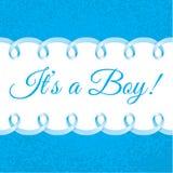 De douchekaart van de babyjongen met Photorealistic blauw lintkader voor uw tekst Royalty-vrije Stock Foto's