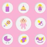 De douchekaart van het babymeisje Zijn een meisje Fles, paard, rammelaar, fopspeen, sok, pop, het stuk speelgoed van de kinderwag Stock Foto