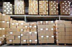 De dozen van Catron in pakhuis Stock Afbeeldingen