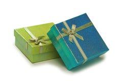 De dozen van de gift die op de witte achtergrond worden geïsoleerd Stock Foto