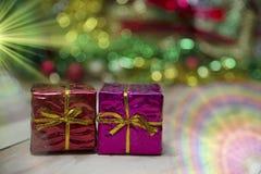 De dozen van de nieuwjaargift, Gradiëntachtergrond Royalty-vrije Stock Fotografie
