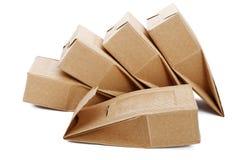 De dozen van goffered geïsoleerd karton Stock Foto's