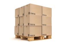 De dozen van het karton op pallet Royalty-vrije Stock Fotografie