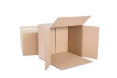 De dozen van het karton op witte achtergrond Stock Fotografie