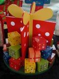 De dozen van de Kerstmiskomst die in een huidig formaat worden gestapeld royalty-vrije stock fotografie