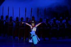 De draaiende dans van de Samoeraien 1-vier handeling ` belemmerde inklaring ` - Epische de Zijdeprinses ` van het dansdrama ` stock afbeelding