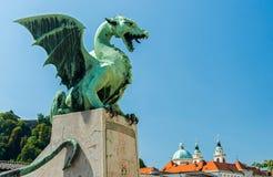 De draak van Ljubljana, stadssymbool, Slovenië Stock Foto's