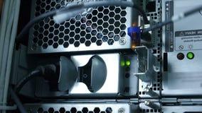 De draden binnen Supercomputer geven Landbouwbedrijf terug stock video