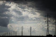 De draden van de elektriciteit stock afbeelding