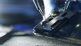 De dradentelefoon van workshopcursussen het solderen reparatie stock videobeelden