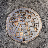 De drainagedekking bij shirakawa-gaat dorp, Japan Stock Foto