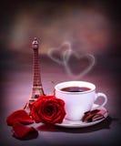 De drank van de ochtend in Parijs Stock Foto's
