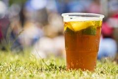 De drank van de Pimmscocktail stock afbeeldingen